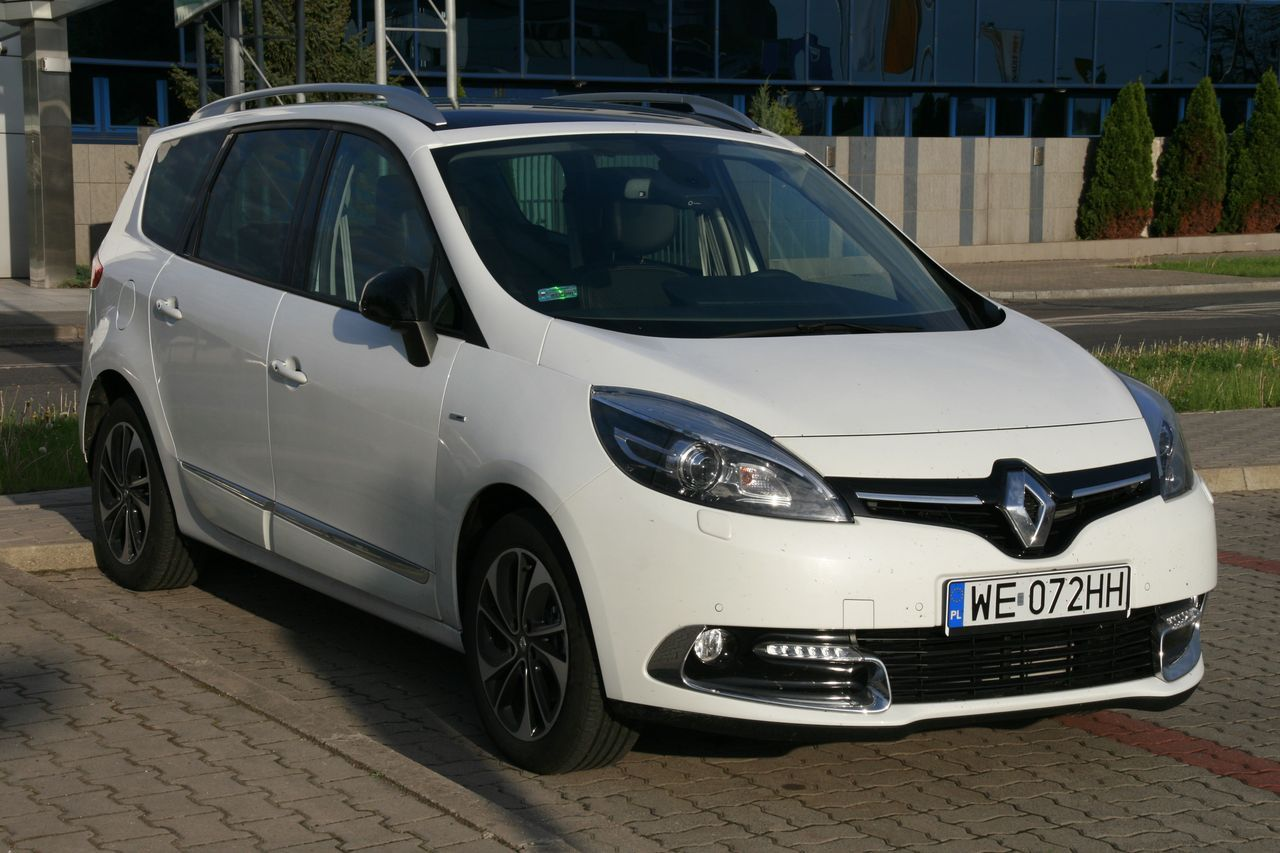test renault grand scenic bose edition. Black Bedroom Furniture Sets. Home Design Ideas